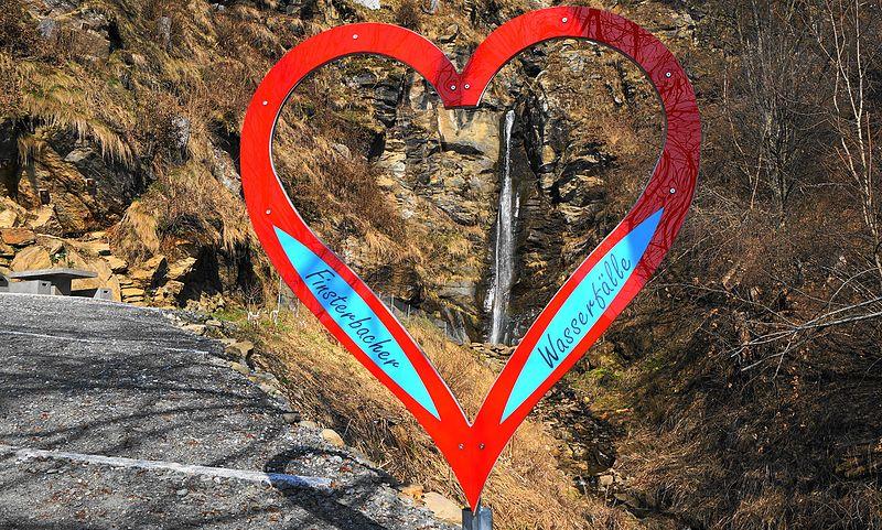 File:Finsterbach Wasserfall 23m lang, am Fuße der Gerlitzen in Sattendorf, Gemeinde Treffen am Ossiachersee, Bezirk Villach Land.jpg