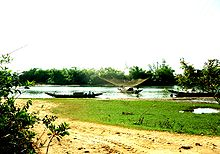 Fishing on Hieu River.jpg