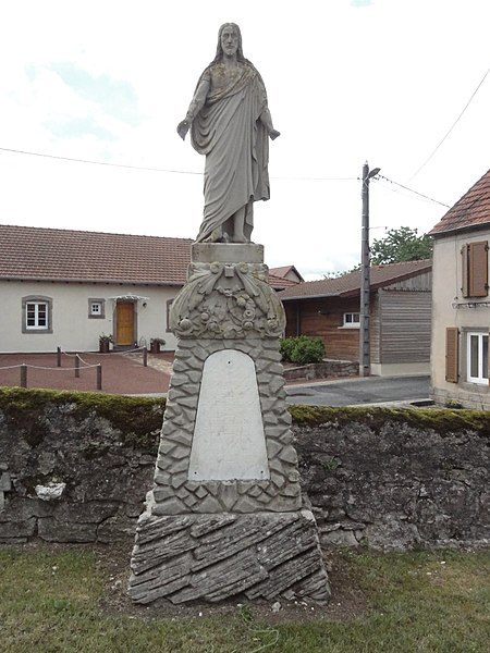Fleisheim (Moselle) statue Sacré-Coeur