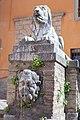 Fonte del leone da destra.jpg