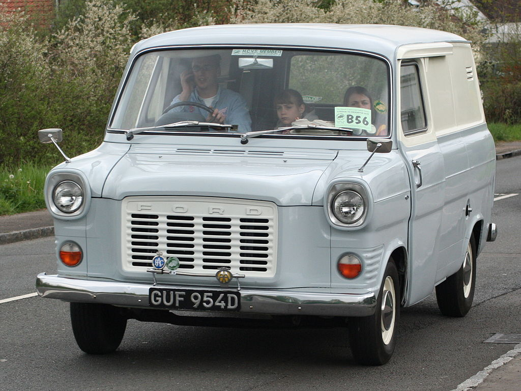 File:Ford Transit Van.jpg - Wikimedia Commons