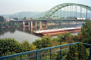 Fort Henry Bridge looking towards Ohio, in Wheeling, West Virginia - 20040706.jpg