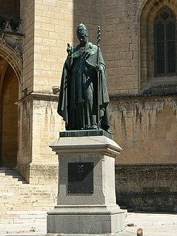 France Lozère Mende Statue d'Urbain V 1