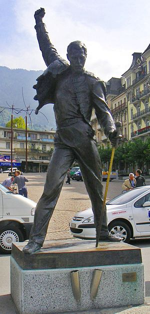 Freddie Mercury statue in Montreux, sculpted b...