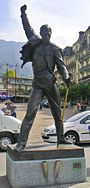 Freddy Mercury statue in Montreux.jpg