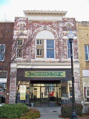 Robinson-Gardner Building - Image: Freeman's Pub in the Robinson Gardner Building