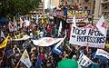 Funcionários públicos estaduais protestam contra governo Sartori.jpg