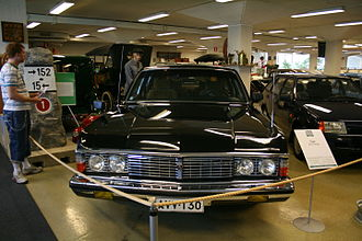 GAZ-14 - Image: GAZ 14 Chaika at the Car and Communication Museum in Finland