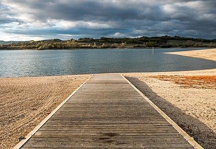 Access to Garaio beach, Ullíbarri-Gamboa reservoir. Álava, Basque Country, Spain