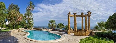 Golfo di Palermo Villa Igiea con piscina.jpg