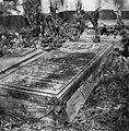 Grafsteen op de Hollandse begraafplaats - 20651760 - RCE.jpg