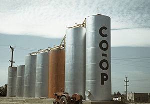 Caldwell, Idaho - Grain elevators in Caldwell (1941)