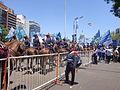 Granaderos a caballos precediendo el coche de la presidenta Cristina Fernández de Kirchner durante su segunda asunción.jpg