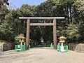 Grand torii of Miyazaki Shrine.jpg