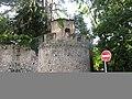 Grosse tour d'angle Nord-Ouest du château fort de la Chaize-le-Vicomte.jpg