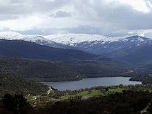 Vista sui monti del Massiccio del Gennargentu ed il lago di Gusana