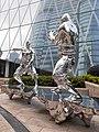 HK 中環 Central 交易廣場 Exchange Square sculpture fighting silver men January 2020 SS2 01.jpg
