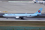 HL8211 - Korean Air Lines - Airbus A330-223 - ICN (17124183100).jpg