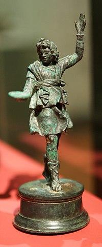 HMB - Muri statuette group - Lar.jpg