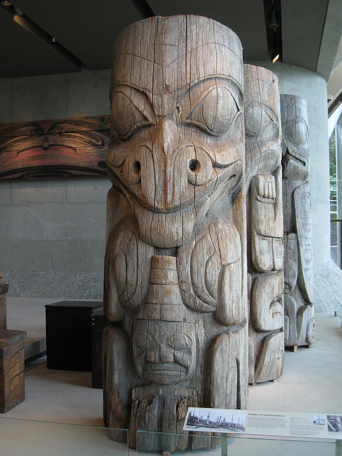 File:Haida house pole (UBC-2009).jpg
