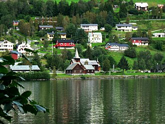 Hol - Image: Hol, on the other side of Holsfjorden