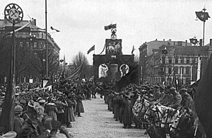 Latvian Socialist Soviet Republic - Image: Holiday decorations to May 1. 1919. Riga (1)