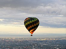 Hot air balloon over Brisbane.jpg