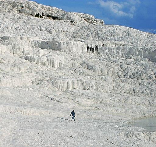 Hot springs of Pamukkale edit cropped