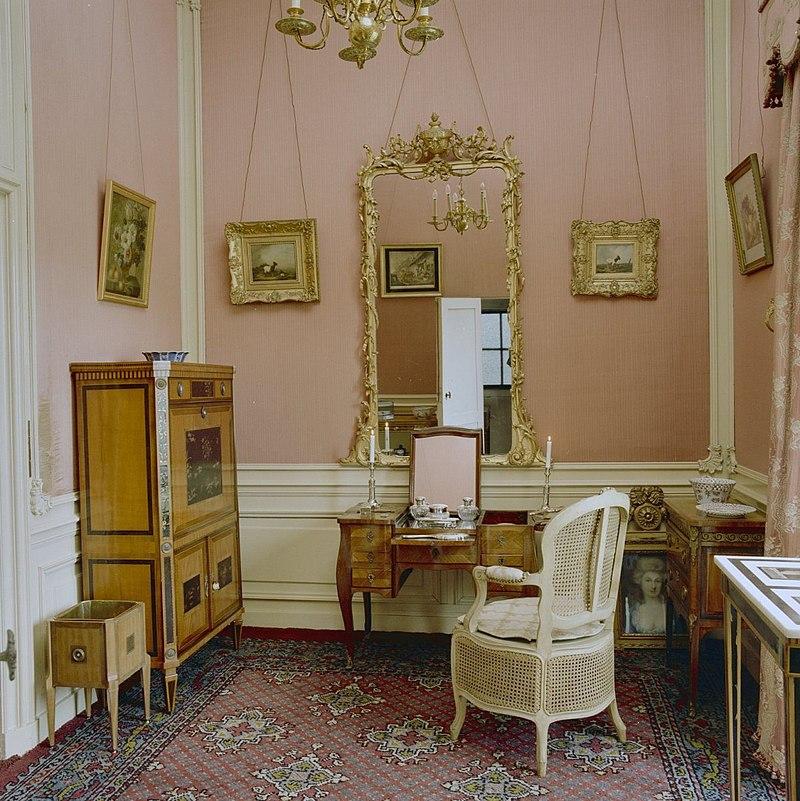 Kasteel twickel in ambt delden monument for Interieur kabinet