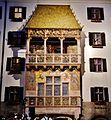 Innsbruck Goldenes Dachl bei Nacht 2.jpg