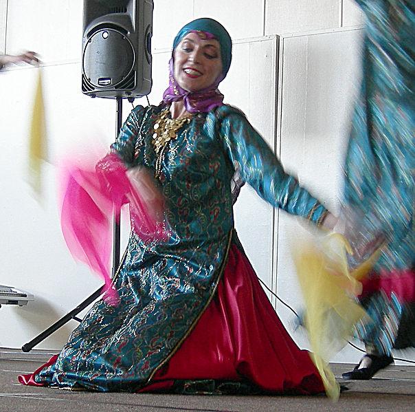 File:Iranian Festival - Seattle 2007 - Dancers 08.jpg