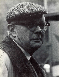 Irving Howe (1968).png
