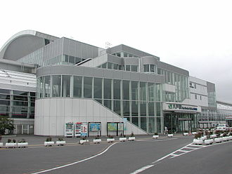 Hachinohe Station - The west entrance of Hachinohe Station in July 2007