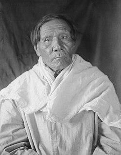 Jaw (Ćehu′pa) Lakota native American artist