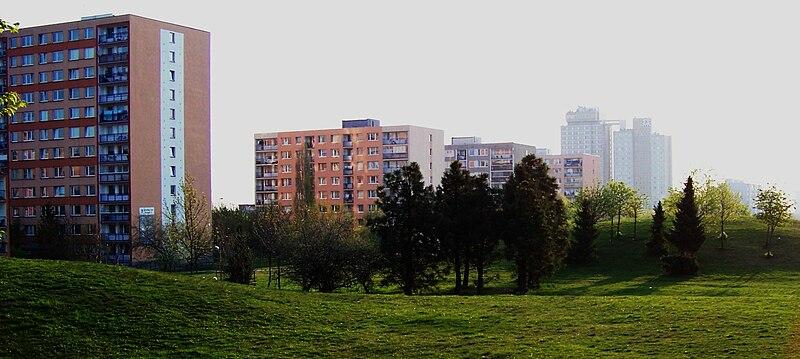 Jižní Město, Centrální park a domy v Michnově ulici