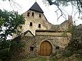 Jižní brána hradu Točník.JPG