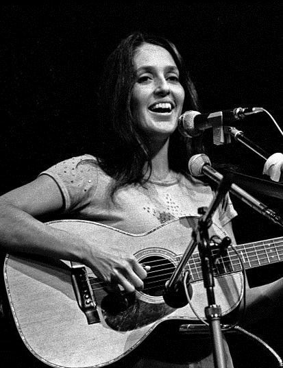 Joan Baez Hamburg 1973 .cropped
