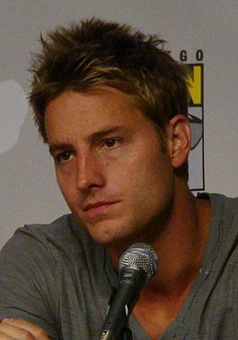 Justin Hartley op Comic-Con International in 2010