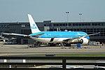 KLM Boeing 787-9 PH-BHE at IAD (43463954224).jpg