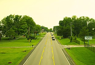 """Oak Ridge Highway (<a href=""""http://search.lycos.com/web/?_z=0&q=%22Tennessee%20State%20Route%2062%22"""">TN-62</a>) in Karns"""