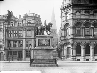 College Green, Dublin - Statue of William of Orange on College Green, erected in 1701. It was badly damaged in an explosion in 1928, and removed in 1929.