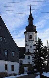 Kirche Pfarrhaus Bockau.jpg