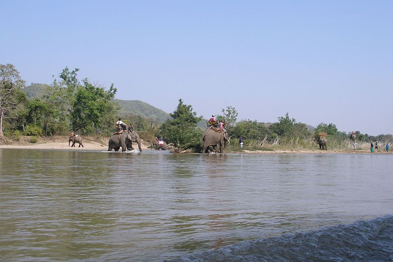 File:Kok river near Chiang Rai (2007-02-381).jpg