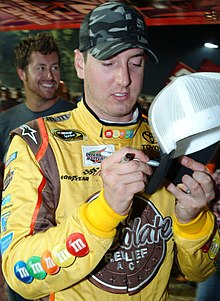 alt=Description de l'image Kyle Busch August 5, 2009 (cropped).jpg.