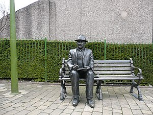 L. S. Lowry - L. S. Lowry memorial at Mottram in Longdendale