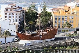 La Palma - Santa Cruz - Avenida de Las Nieves + Museo Naval del Barco de La Virgen (Castillo de la Virgen) 02 ies.jpg