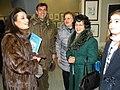 La curatrice della Pinacoteca Gaetano Minale prof.ssa Adele Cicchitti con visitatori.jpg