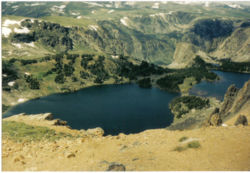 Lake view from Beartooth Pass.jpg
