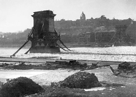 The Szechenyi Chain Bridge and the Buda Castle in ruins after World War II (1946) Lanc hid - Budapest 3 Febr 1946 Foto Takkk Hungary.jpg