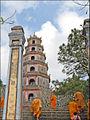 Le Stupa Phuoc Duyen (Pagode Thien Mu) (4380068346).jpg